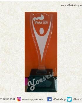 Piala Acrylic